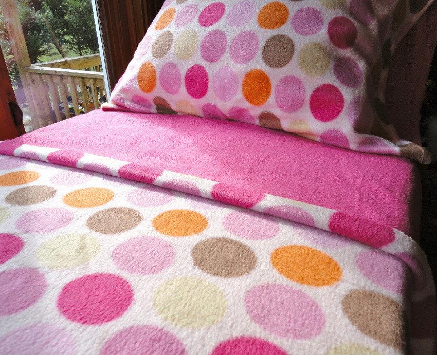 Beautiful Pink Fleece Bed Set : Toddler / Crib Size Handmade Bedding U0027Ice Creamy  Dreams For Girls