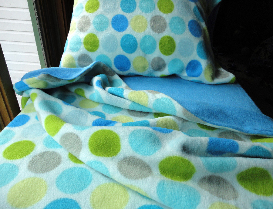 Boys Toddler Bedding Fleece Snowball Fight for Boys Fits Crib & Toddler Beds